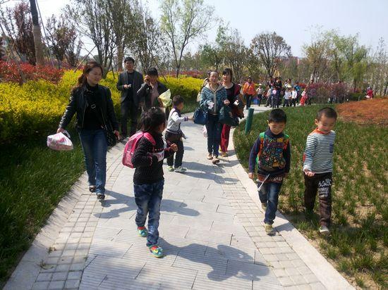 金湖县实验幼儿园亲子春游活动